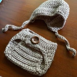Baby bonnet and diaper cover set: gray